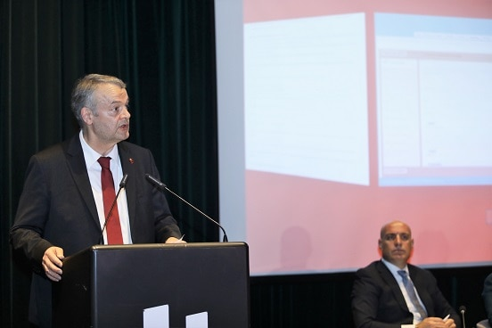 Swiss Ambassador in Albania Adrian Maître addressing the launch of the public administration portal, Tirana, 26.04.2019. ©FDFA