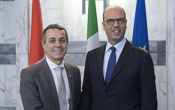 The swiss and italian foreign affairs ministers, Ignazio Cassis and Angelino Alfano.