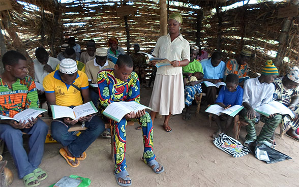 An adult literacy centre in a Fulani camp in the village of Goure Bene, municipality of Nikki, Borgou, 2014