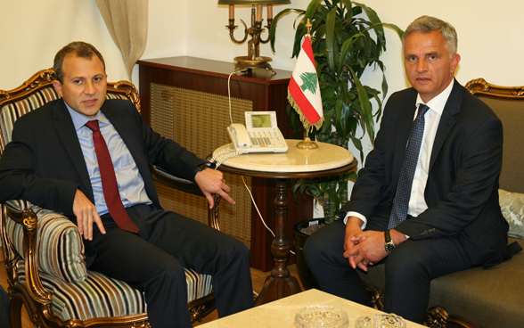 Federal Councillor Didier Burkhalter took the opportunity provided by his stay in Beirut to hold bilateral talks with Lebanese Minister of Foreign Affairs Gebran Bassil. © FDFA