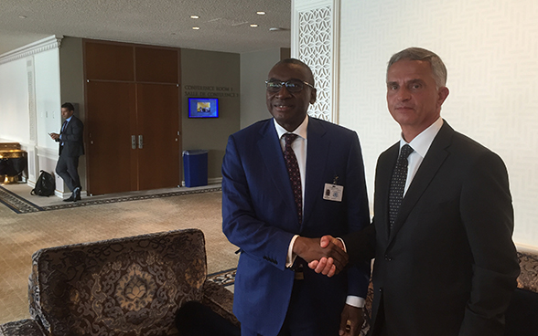 Federal Councillor Didier Burkhalter meets with Sidiki Kaba, Senegal's Minister of Justice. © FDFA