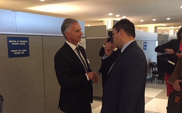 Federal Councillor Didier Burkhalter meets with Ukrainian foreign minister Pavlo Klimkin.